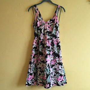 Forever 21 Dresses - Tropical Criss Cross Back Skater Dress